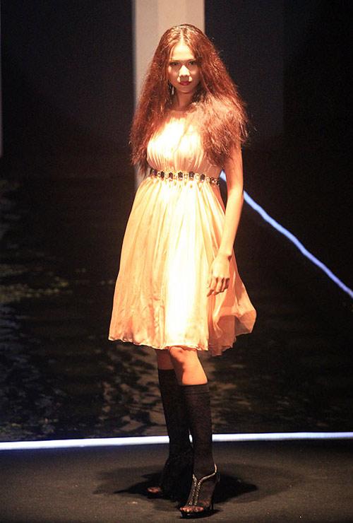 Milano show: Câu chuyện của quần áo - 9