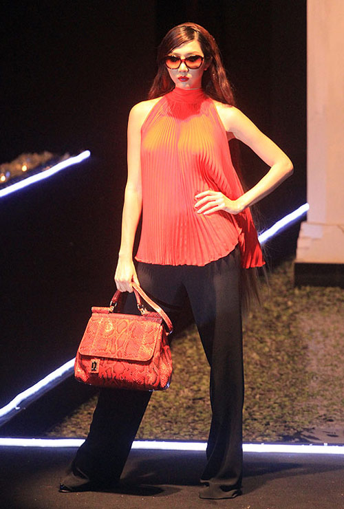 Milano show: Câu chuyện của quần áo - 8