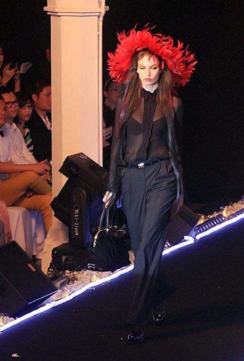 Milano show: Câu chuyện của quần áo - 7