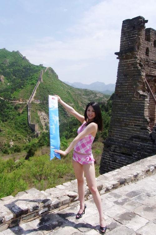 Tân Hoa hậu Quốc tế bị chê kém sắc - 10