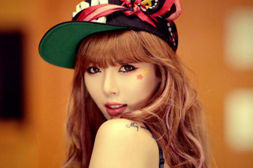 Hotgirl Gangnam Style tung MV nóng - 8
