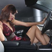 8 điều phụ nữ cần tránh khi lái xe