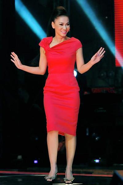 """Thu Minh mặc đồ hiệu """"khủng"""" ở The Voice - 5"""