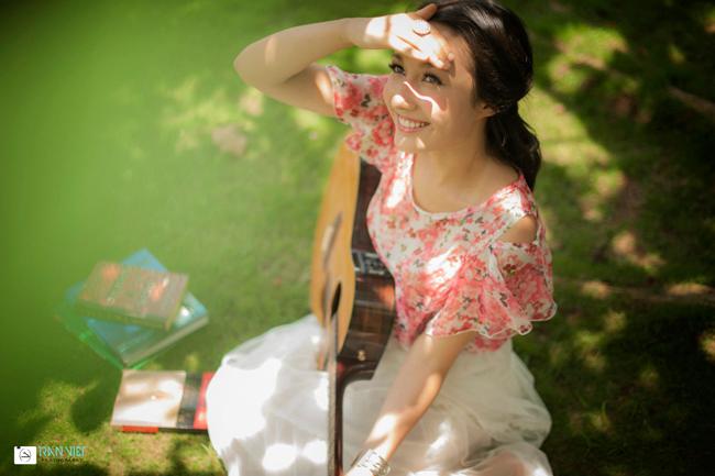 Anna Trương vừa tốt nghiệp trung học và quyết định gắn bó với con đường ca hát chuyên nghiệp.