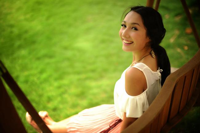 Anna đã cho ra mắt single Những bài hát đầu tiên. & #160;Trong đó, Anna thể hiện khả năng vừa sáng tác vừa ca hát.