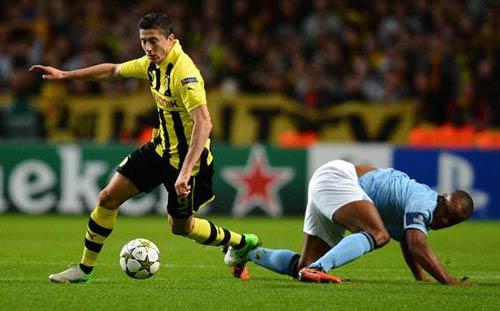 """Tiền đạo Dortmund """"khiêu khích"""" Pepe - 1"""