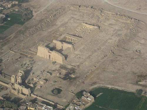 10 ngôi đền cổ đại kỳ vĩ ở Ai Cập - 1