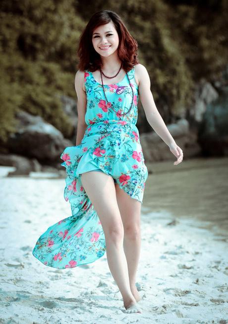 Nữ sinh Phương Đông khoe dáng ngọc ngà - 9