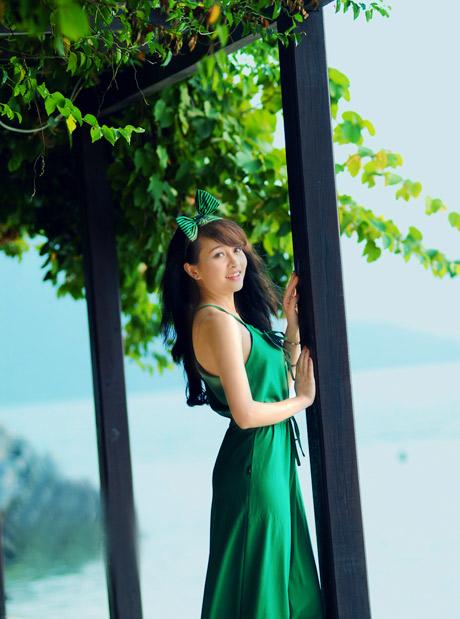 Nữ sinh Phương Đông khoe dáng ngọc ngà - 2