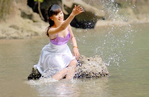 Nữ sinh Phương Đông khoe dáng ngọc ngà - 17