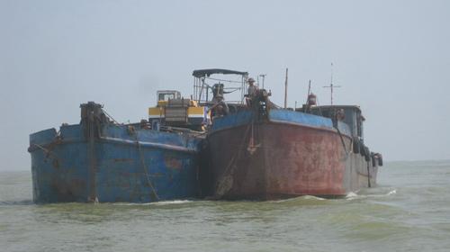 Thanh Hóa: Phát hiện tàu đắm có ba đầu người - 1