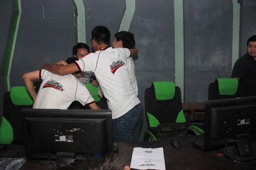 Cháy hết mình cùng VEC 2012 vòng loại Hà Nội - 4