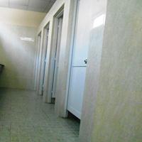 Nữ sinh bị quay lén trong nhà vệ sinh
