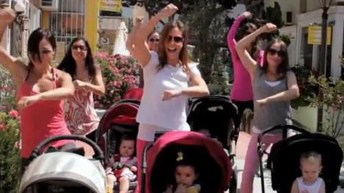 10 clip nhại Gangnam Style ăn khách nhất - 7