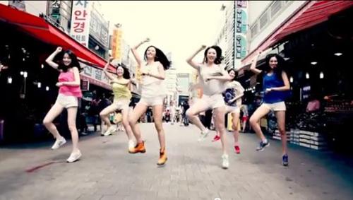 10 clip nhại Gangnam Style ăn khách nhất - 10