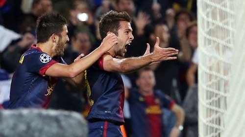 Hàng thủ Barca: Gót chân Achilles - 1