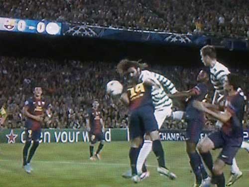 Hàng thủ Barca: Gót chân Achilles - 2