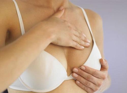 Làm gì khi phát hiện ngực có khối u lạ? - 1