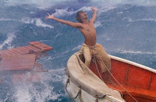 Phim cậu bé sống với hổ trên biển đến VN - 8