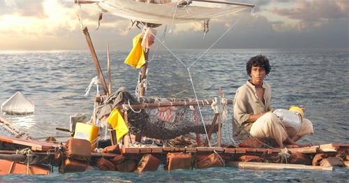 Phim cậu bé sống với hổ trên biển đến VN - 6
