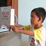 Phi thường - kỳ quặc - Bình Thuận: Cậu bé vừa biết nói đã đọc 3 thứ tiếng