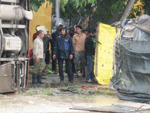 Thanh Hóa: TNGT nghiêm trọng trong mưa bão - 2