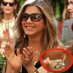 """Phim - Jennifer Aniston khoe nhẫn đính hôn """"khủng"""""""