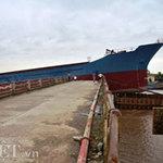 Tin tức trong ngày - Bão giật đứt neo, 2 tàu nghìn tấn đâm nát cầu
