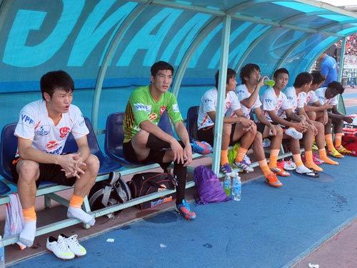 Cầu thủ Việt: Chiều quá hóa hư - 1