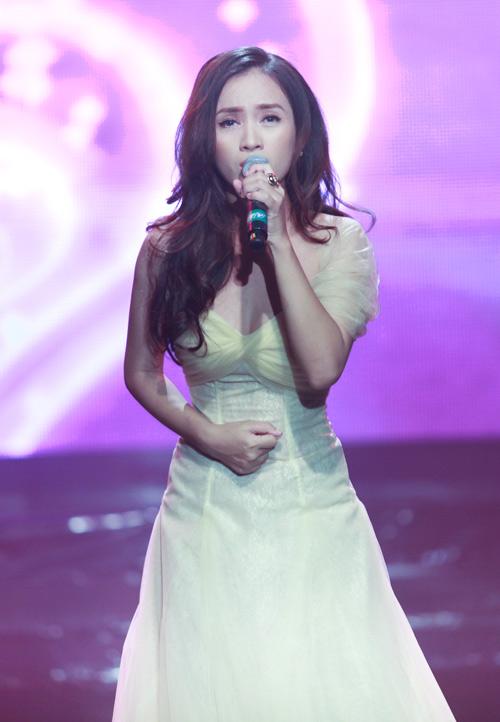 Hà Hồ, Lệ Quyên hút hồn khán giả - 14