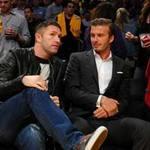 """Bóng đá - Beckham """"giải ngố"""" cho Robbie Keane"""