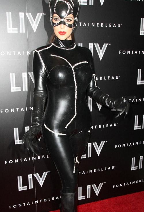 Ngọc Bích đọ sexy với Kim Kardashian - 7
