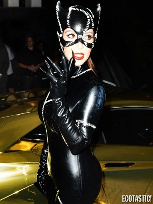 Ngọc Bích đọ sexy với Kim Kardashian - 11