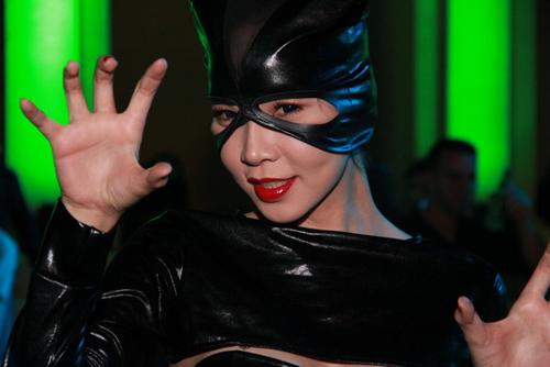 Ngọc Bích đọ sexy với Kim Kardashian - 4