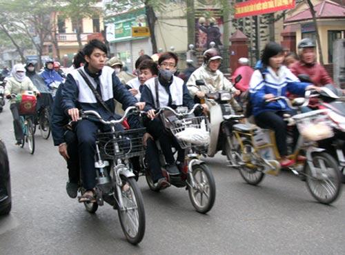 """Có cần thu """"thuế đường"""" với cả xe đạp điện? - 1"""