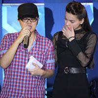 Hà Hồ nghẹn ngào vì WanBi Tuấn Anh
