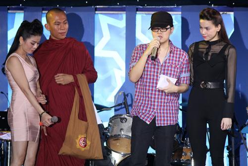 Hà Hồ nghẹn ngào vì WanBi Tuấn Anh - 2