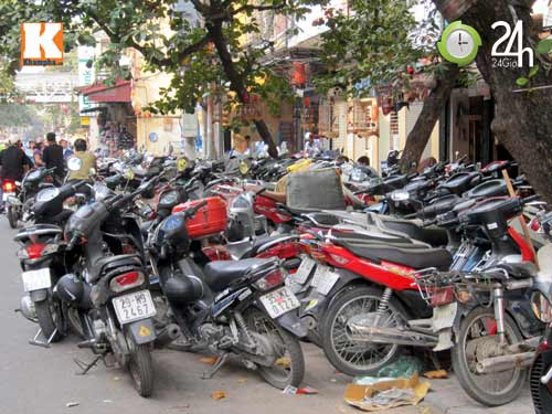 Hà Nội lại nở rộ bãi giữ xe tự phát - 5