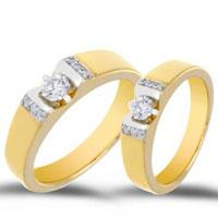 Chen chân mua nhẫn cưới DOJI