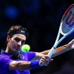 Video: Federer cứu bóng đầy nỗ lực