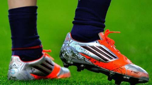 Messi có bàn thắng tặng con trai - 1