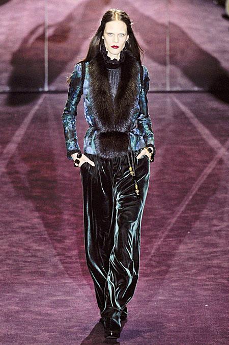 Thời trang nhung quyến rũ trên sàn diễn - 9