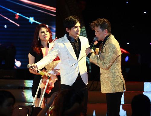 """Thanh Thảo khoe """"con"""" trên sân khấu - 6"""