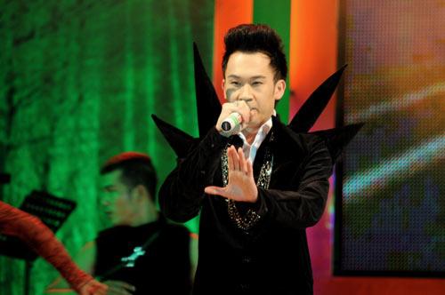Dương Triệu Vũ lại ma quái trên sân khấu - 2