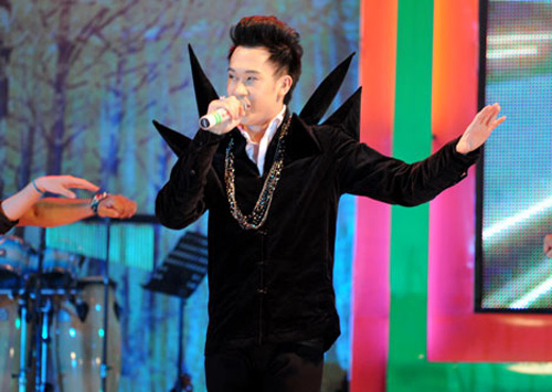 Dương Triệu Vũ lại ma quái trên sân khấu - 3