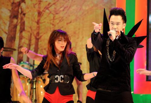 Dương Triệu Vũ lại ma quái trên sân khấu - 1