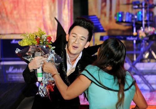 Dương Triệu Vũ lại ma quái trên sân khấu - 7