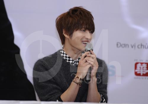 Jae Joong: Tôi còn quá nhỏ để yêu - 3