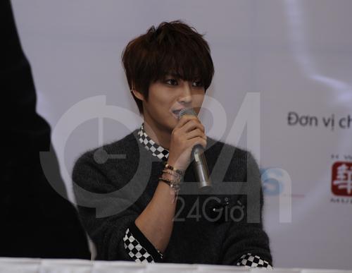 Jae Joong: Tôi còn quá nhỏ để yêu - 5