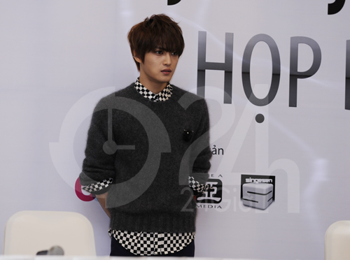 Jae Joong: Tôi còn quá nhỏ để yêu - 8